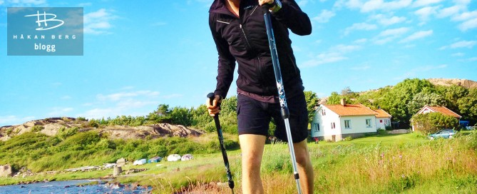 Komikern Håkan Berg går med motionsstavar