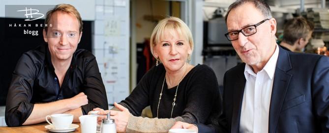 Håkan Berg, Margot Wallström och Stig-Arne Bäckman sitter kring ett bord